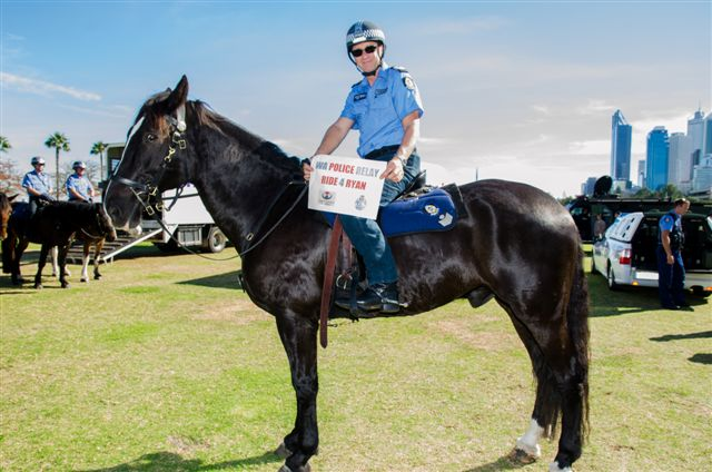 how to join the mounted police