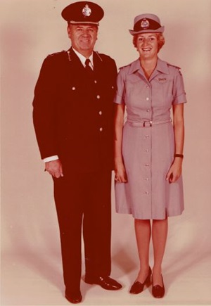 WRAY-WATTS Vicki 2 old photo in uniform